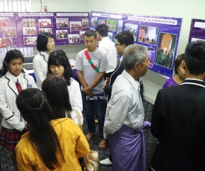 Parents_and_Students_in_Exhibition_Hall